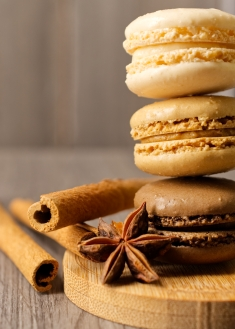 Macarons Brown Stack